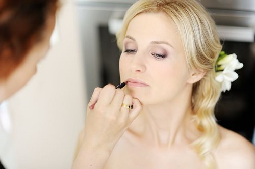 Your winter wedding makeup