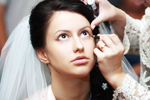 Makeup artists know the tricks of wedding makeup