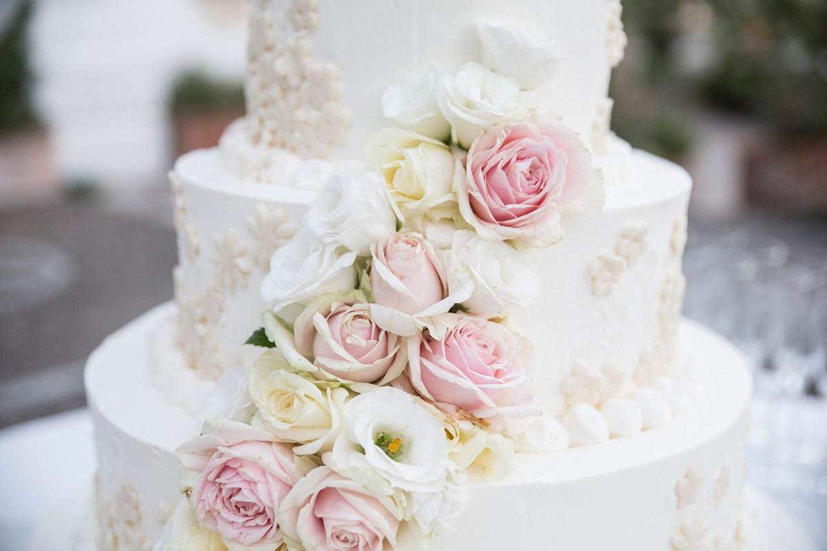 8 Summer Wedding Cake Ideas 2016