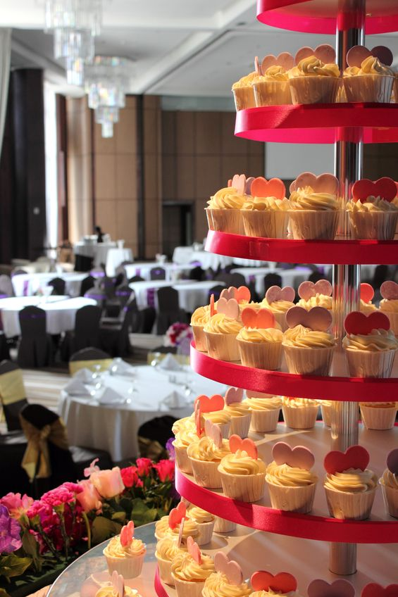 The wedding cupcakes