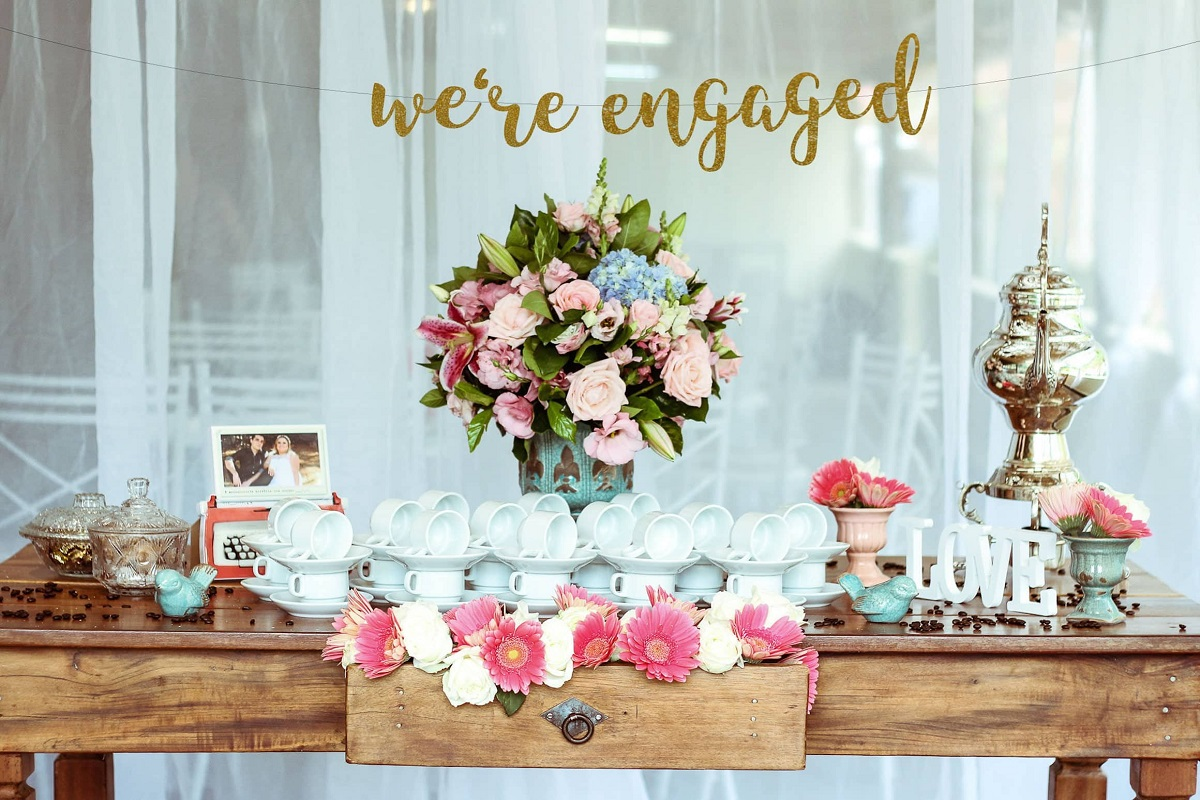 10 Fun Engagement Party Ideas