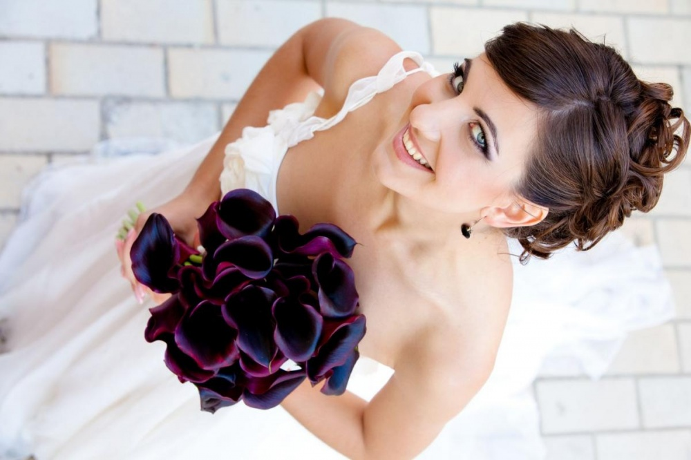 Black, Taupe, and Amber wedding colors